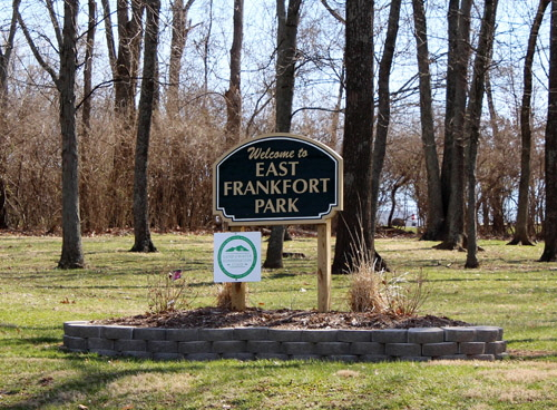 Park Signs East Frankfort